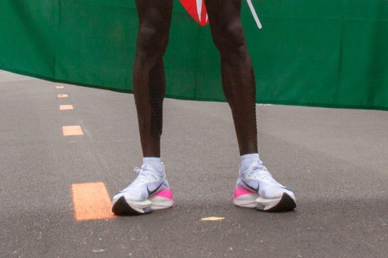 Bikin Lari Lebih Cepat, Sepatu Nike Vaporfly Diprotes