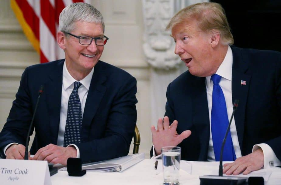 Tim Cook, Presiden Donald Trump pabrik apple