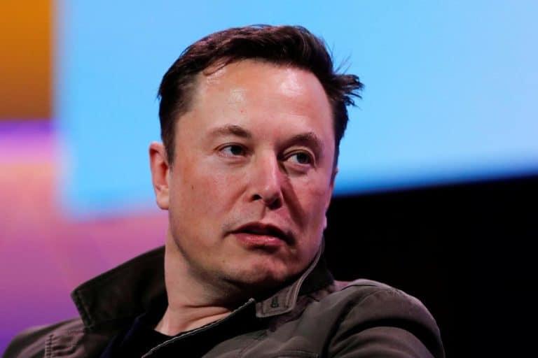 Sudah Pamit, Ehhh… Elon Musk Berkicau Lagi di Twitter