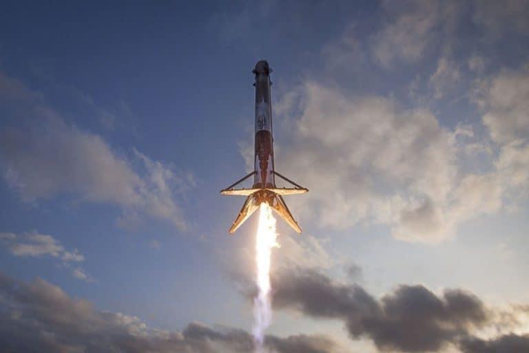 Elon Musk: Butuh 20 Tahun Bangun Kota Mandiri di Mars