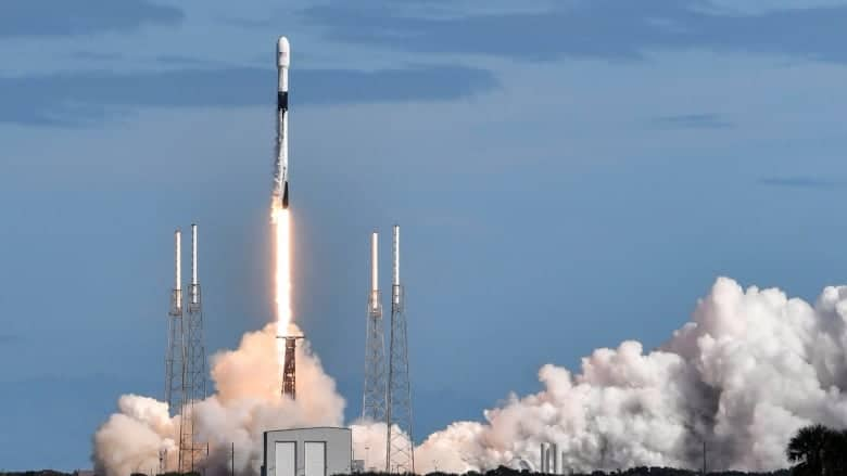 SpaceX Satelit Starlink Internet super cepat