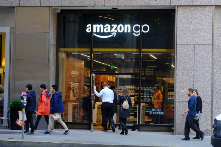 Perangkat Amazon Mungkinkan Transaksi Pakai Pindai Tangan