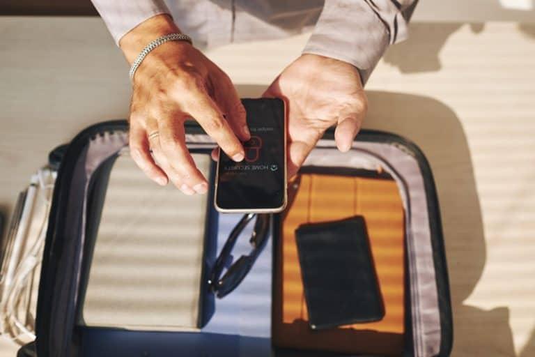 Tips Canggih Mengamankan Rumah Saat Liburan