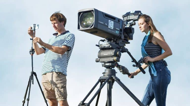 Edan! Kamera iPhone 11 Pro Diadu Kamera TV Seharga Rp 3,5 Miliar