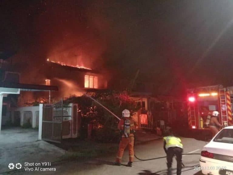 Charger KW Jadi Biang Kerok Kebakaran Tiga Rumah di Malaysia