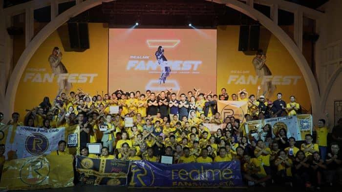 "Ratusan ""Realme Fanboy"" Ramaikan Realme Fan Fest 2019"