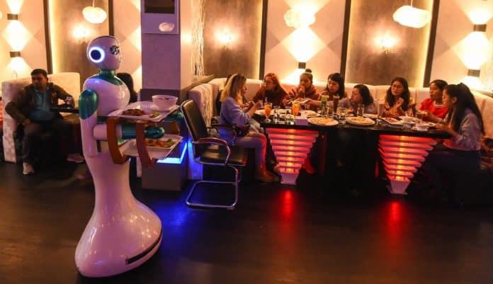 Robot Pekerja Gantikan Manusia