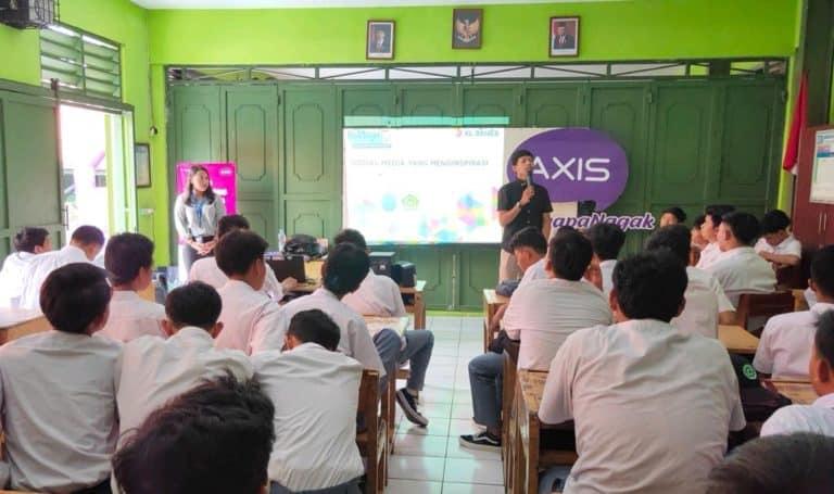 XL Ajarkan Bijak di Media Sosial dan Internet pada 100 Sekolah