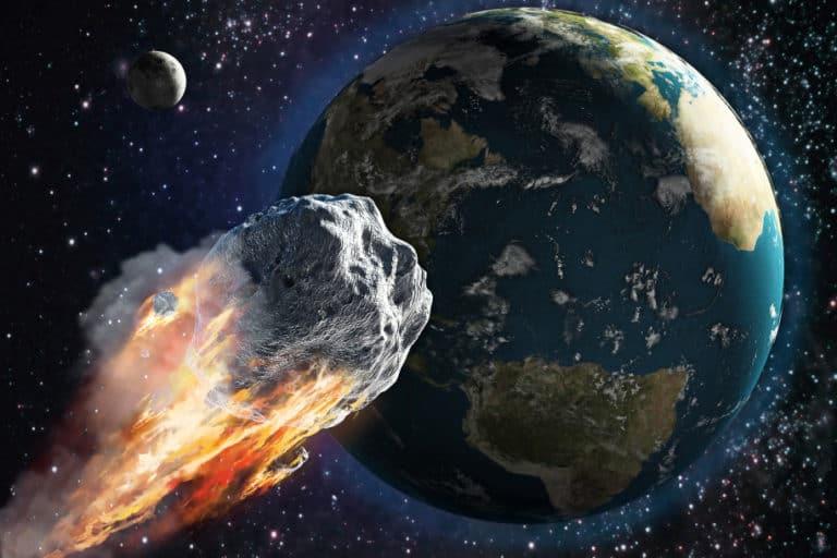 Asteroid Seukuran Paus Biru Lintasi Bumi, Bahayakah?