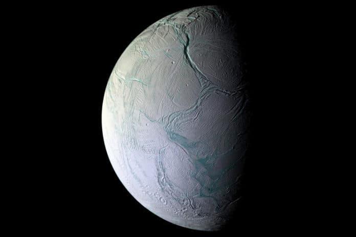 Kehidupan Alien Bulan Saturnus