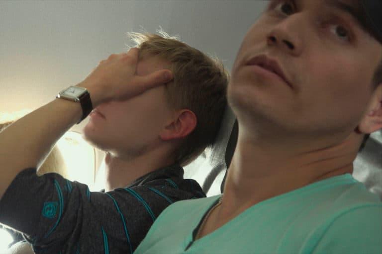 "Film LGBTQ Lindungi Sumber Anonim dengan ""Wajah Ganda"""