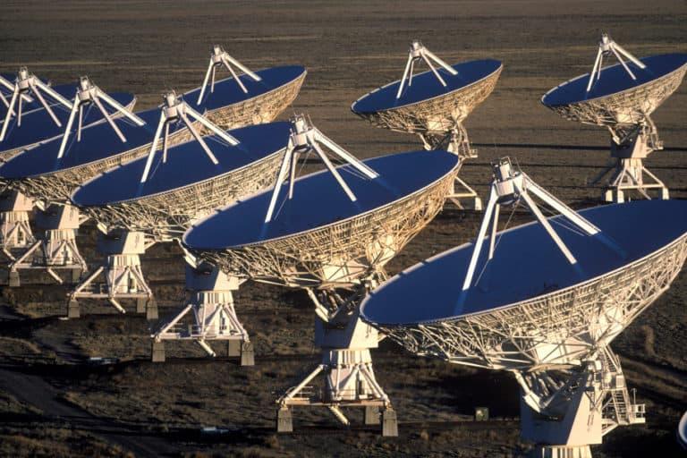 Astronom Deteksi Sinyal Misterius dari Luar Angkasa