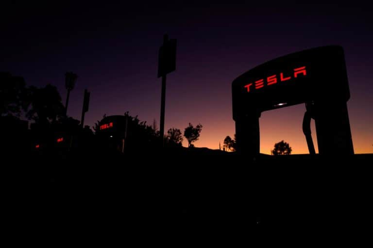 Tesla Digugat Gara-gara Rasisme di Pabrik California