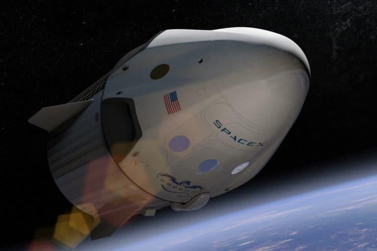 SpaceX Segera Terbangkan Empat Turis ke Orbit Bumi