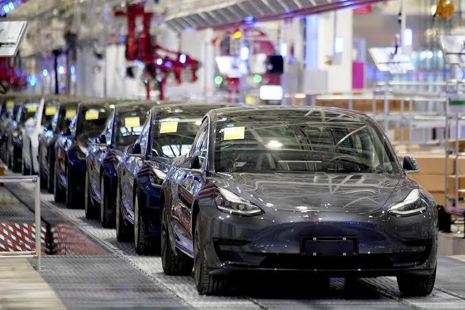 Mobil Listrik Tesla Bakal Dapat Pasokan dari CATL