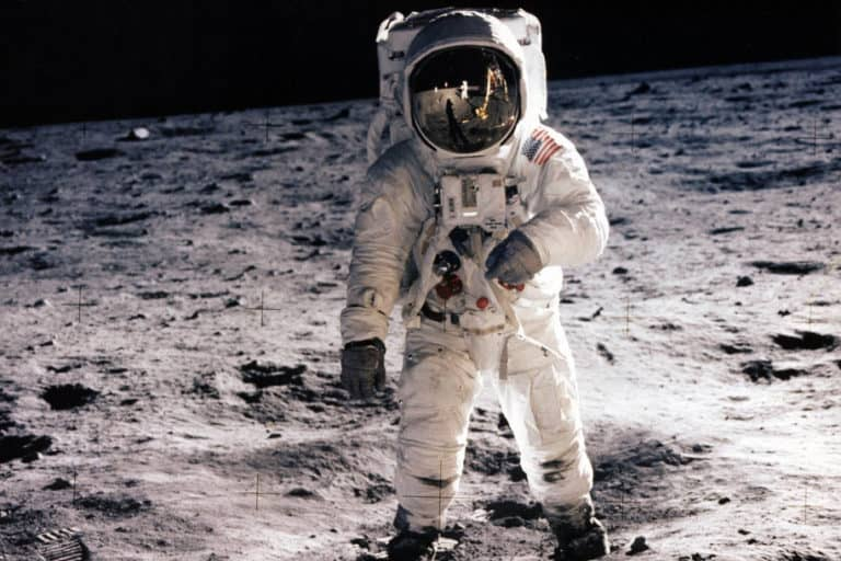 Regulasi AS Desak NASA Tunda Kirim Atsronot ke Bulan