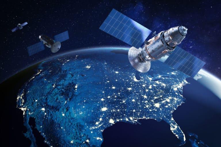 Dua Satelit Rusia Intai Satelit Mata-mata AS
