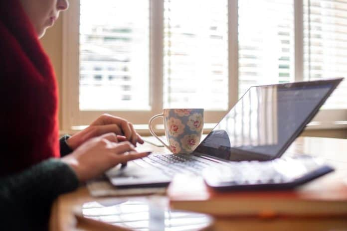 Work From Home curi data perusahaan