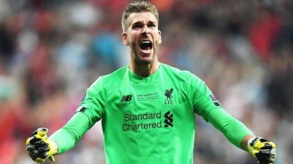 """Liverpool Tersingkir, Kiper Adrian Dianggap """"Titisan"""" Karius"""