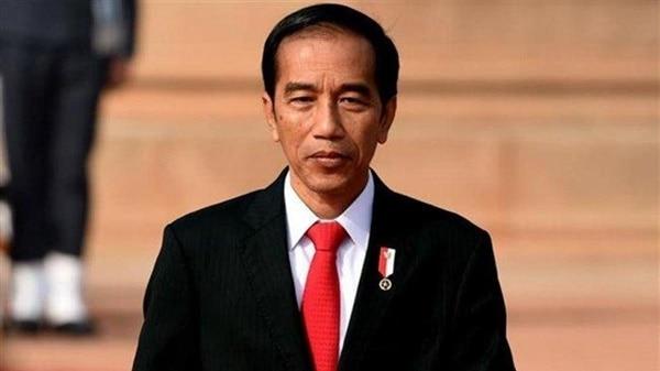 Jokowi Imbau Masyarakat Kerja, Belajar, dan Ibadah dari Rumah