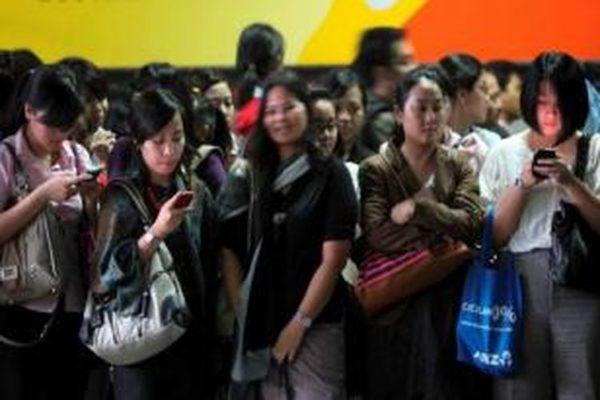 YLKI: Belum Ada Sosialisasi Aturan IMEI ke Konsumen