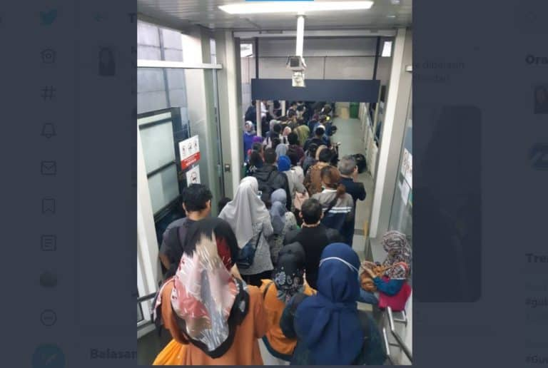 Antre Busway Berjam-jam, Admin Transjakarta Diprotes Warganet
