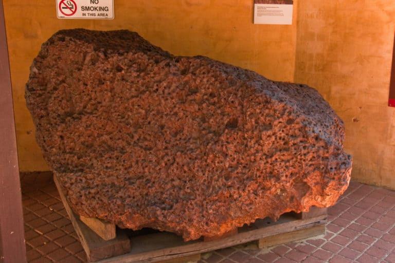Ilmuwan Temukan Superkonduktif Ekstraterestrial dalam Meteorit