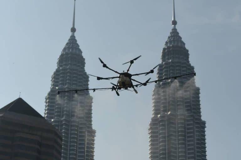 Malaysia Gunakan Drone untuk Bersihkan Kota