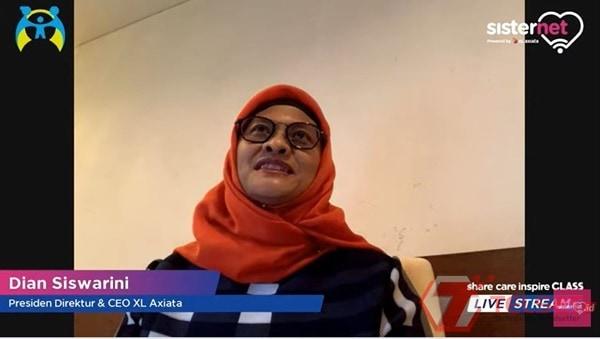 Karyawan Perempuan XL Axiata