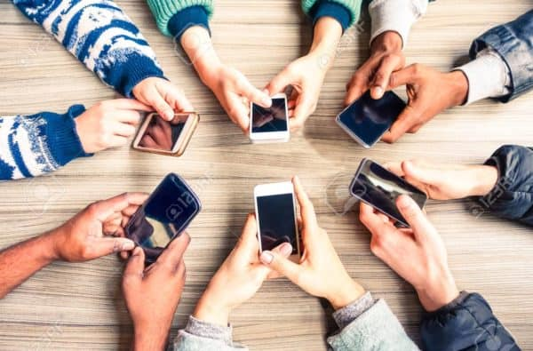 Pengguna Smartphone Pinky Syndrome