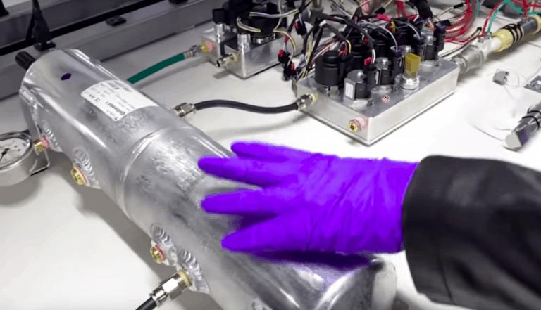 Tesla Bikin Alat Pernapasan Pasien Corona dari Komponen Mobil