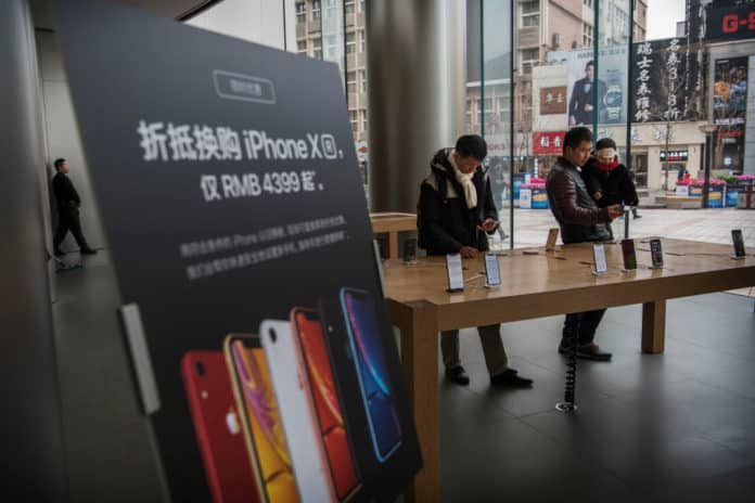 Penjualan iPhone di China