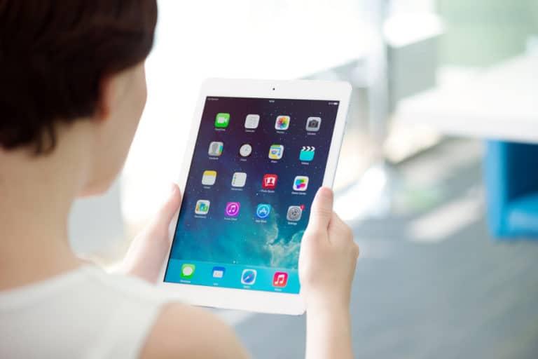 Bukan APD, Rumah Sakit di AS Minta Sumbangan iPad