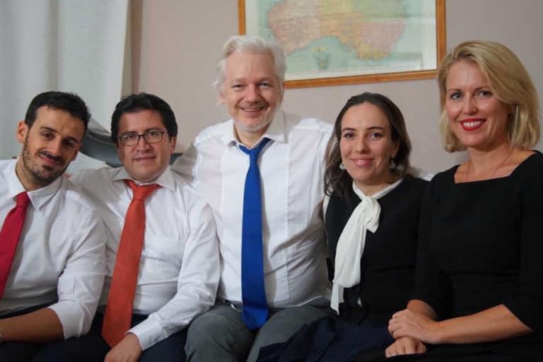 Menguak Rahasia Bos WikiLeaks: Punya Anak dari Pengacara