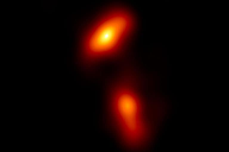 Astronom Berhasil Abadikan Gambar Jet Lubang Hitam