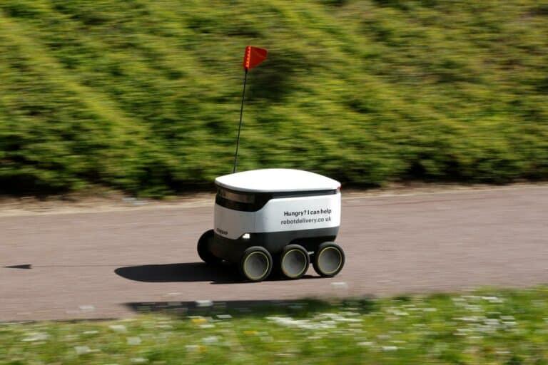 "Banyak Robot ""Belanja"" Wira-wiri Sejak Inggris di Lockdown"