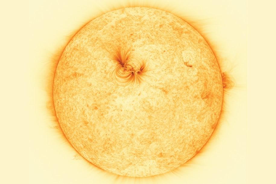 Foto Matahari Resolusi Tinggi