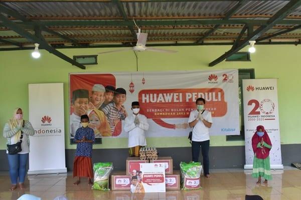 Huawei Berikan Donasi ke 30 Panti Asuhan di Indonesia