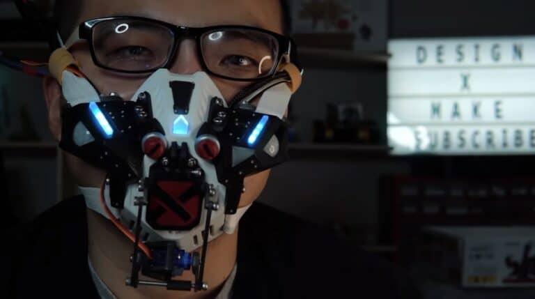 Bukan Prank, YouTuber Ini Bikin Masker Canggih Seperti Robot