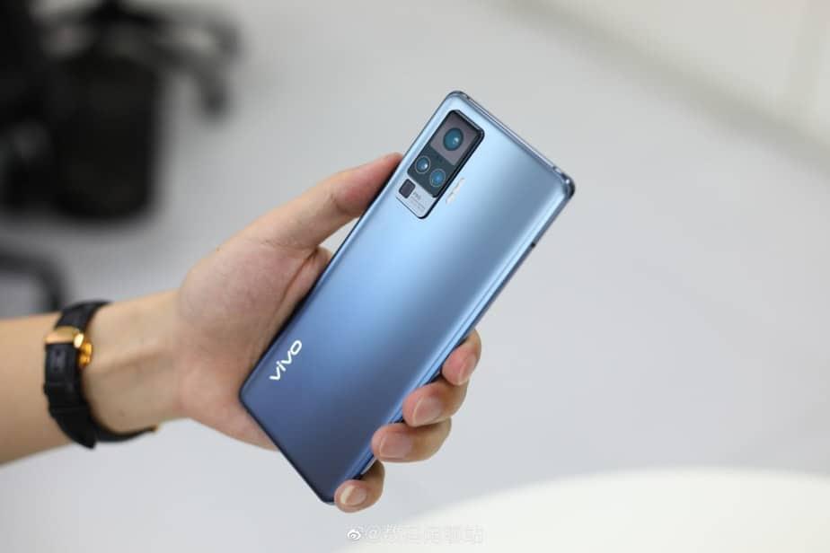 desain belakang Vivo X50 Pro