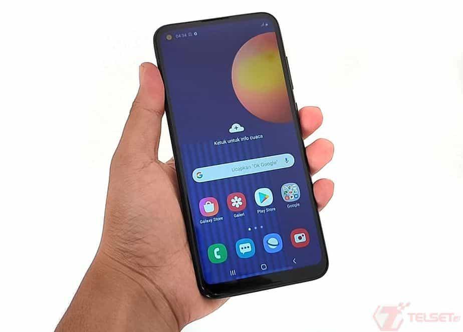 Review Samsung Galaxy M11 - Tampak Depan