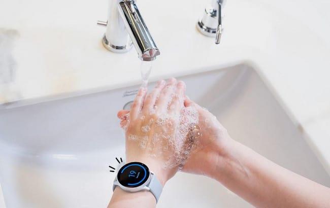 """Aplikasi """"Hand Wash"""" di Galaxy Watch Bikin Rajin Cuci Tangan"""