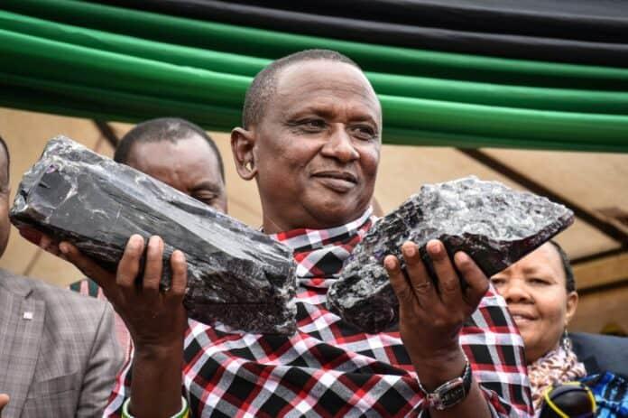 Batu Tanzanite Penambang Miliarder