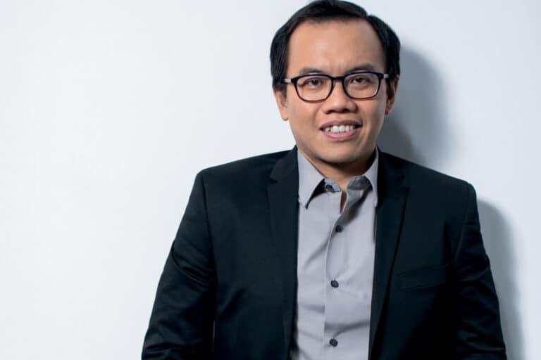 """Profil Direktur """"Milenial"""" Telkom, Muhammad Fajrin Rasyid"""