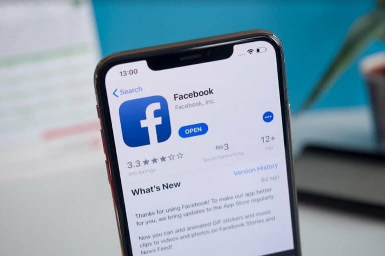 Facebook Uji Coba Dark Mode untuk Perangkat iOS