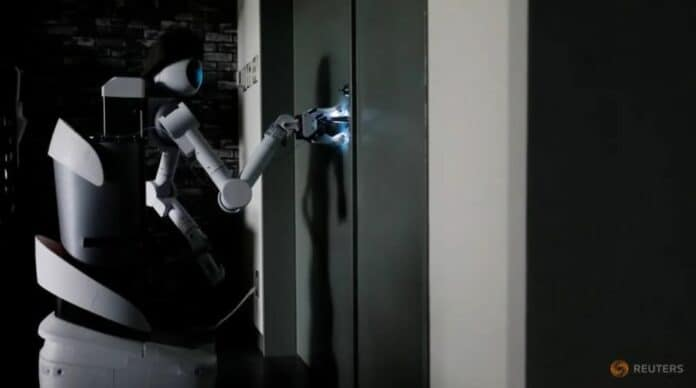 Robot Pekerja Jepang Covid-19