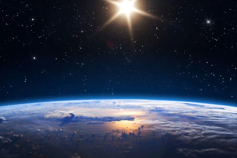 "Ilmuwan Temukan ""Bayangan Cermin"" Bumi dan Matahari"