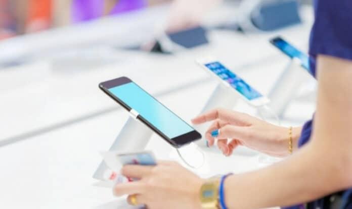 Pengiriman smartphone di China turun