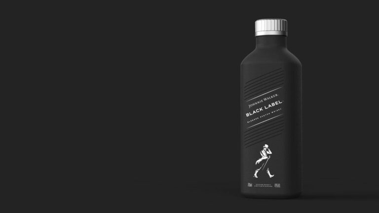 Botol Johnnie Walker Kini Berbahan Dasar Kertas