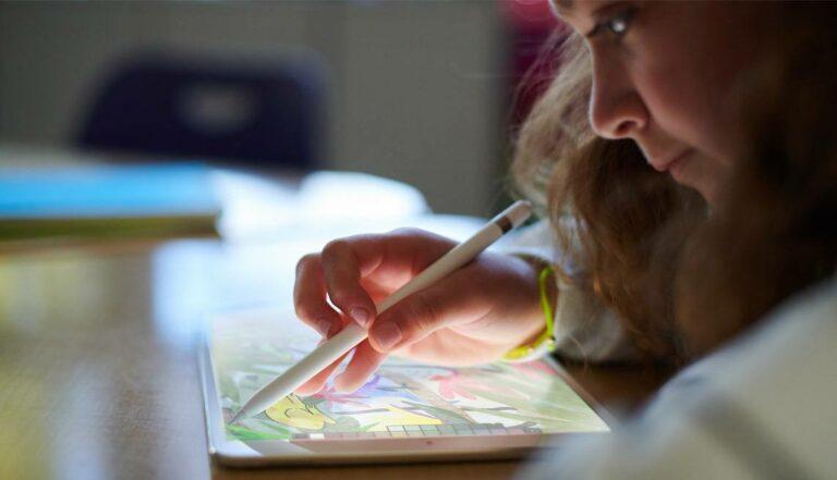 Apple Pencil Terbaru Bisa 'Ambil Warna' di Dunia Nyata